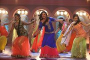 Кадр из фильма Красавица, ты любовь моя! (Gori Tere Pyaar Mein!)